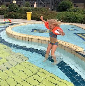 schwimmbad_bambados